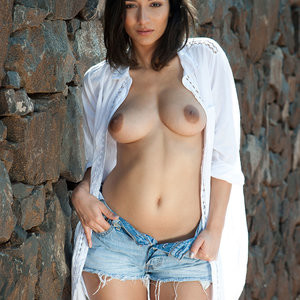 Nicola Paul Topless Photoshoot – Celeb Nudes
