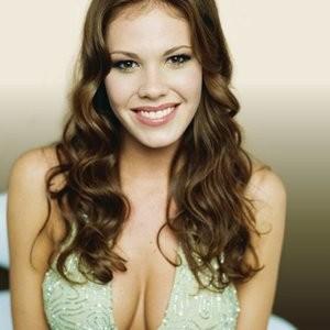 Nikki Cox topless big boobs pictures