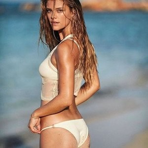 Nina Agdal Shows Her Body On A Beach – Celeb Nudes
