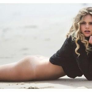 Nude Photos of Valerie van der Graaf - Celeb Nudes