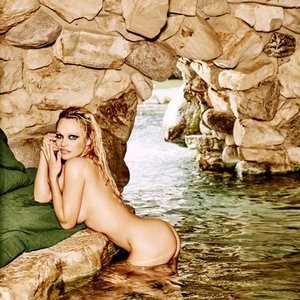 Pamela Anderson Nude Celebrity Picture sexy 008