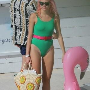 Pixie Lott Bikini – Celeb Nudes