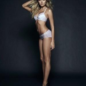 Rachel Hilbert Celeb Nude sexy 002