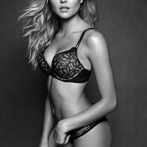 Rachel Hilbert Free nude Celebrity sexy 005