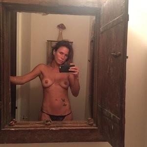 Rhona Mitra Leaked – Celeb Nudes
