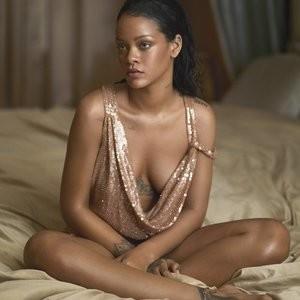 Rihanna Hot Photos – Celeb Nudes