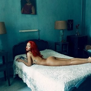 Rihanna Nude Photos – Celeb Nudes