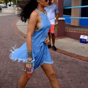 Rihanna Sideboob Photos – Celeb Nudes