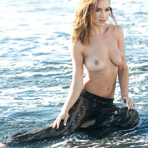 Rosie Jones Topless Photos – Celeb Nudes