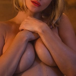 Sara Jean Underwood Topless – Celeb Nudes