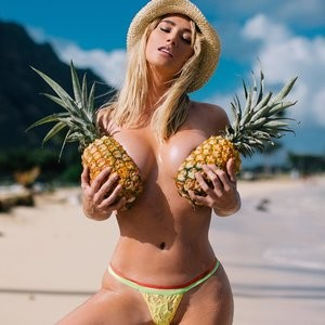 Sara Underwood Topless Photos – Celeb Nudes