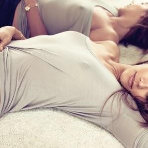 See-Through Photos of Rashida Jones – Celeb Nudes