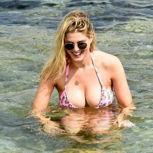 Sexy Photos of Ashley James - Celeb Nudes