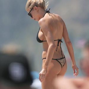 Sexy Photos of Charlotte McKinney – Celeb Nudes