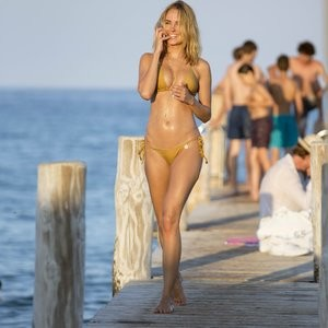 Sexy Photos of Kimberley Garner – Celeb Nudes