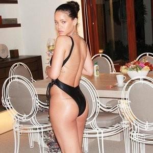 Sexy Photos of Rihanna Sexy – Celeb Nudes