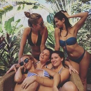 Sexy pic of Selena Gomez – Celeb Nudes