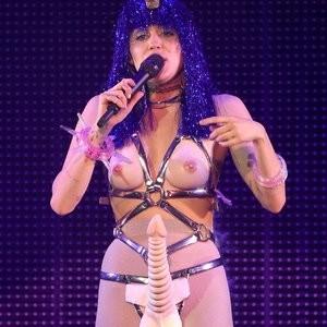 Sexy pics of Miley Cyrus – Celeb Nudes