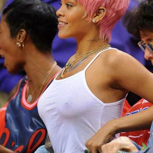 Sexy pics of Rihanna – Celeb Nudes