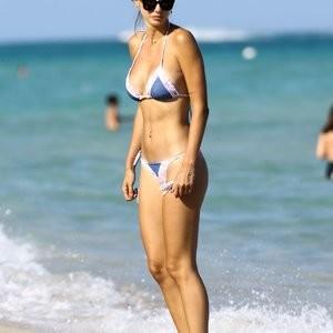 Seyma Subasi Nude Celeb sexy 010