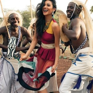Shay Mitchell Looks Too Sexy For Safari - Celeb Nudes