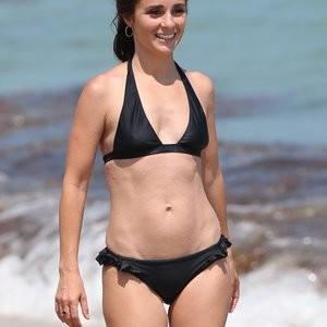Shiri Appleby Bikini – Celeb Nudes