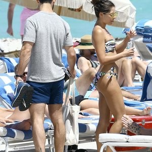 Stina Sanders Gets Hot On The Beach – Celeb Nudes