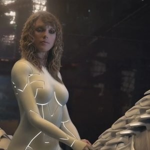 Taylor Swift Sexy – Celeb Nudes