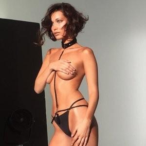 Topless Photo of Bella Hadid – Celeb Nudes