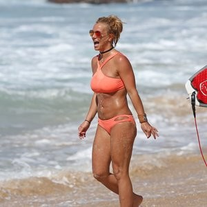 Topless Photos of Britney Spears – Celeb Nudes