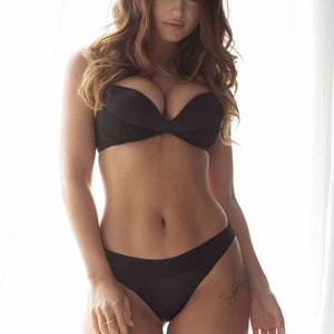 Topless Photos of India Reynolds - Celeb Nudes
