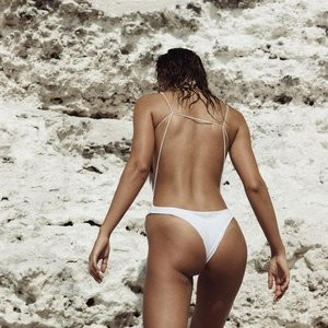 Topless Photos of Joanna Halpin – Celeb Nudes