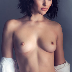 Topless photos of Mellisa Clarke – Celeb Nudes