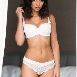 Topless Photos of Nicola Paul - Celeb Nudes
