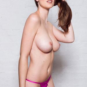 Topless Photos of Rosie Danvers – Celeb Nudes