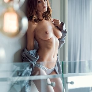 Topless photos of Rosie Jones – Celeb Nudes