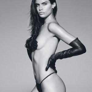 Topless Photos of Sara Sampaio – Celeb Nudes