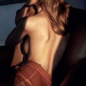 Topless Photos of Vanessa Axente – Celeb Nudes