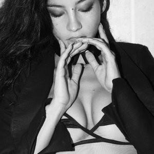 Emilie Payet Newest Celebrity Nude sexy 003