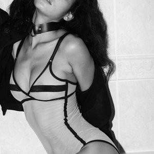 Emilie Payet Free Nude Celeb sexy 004