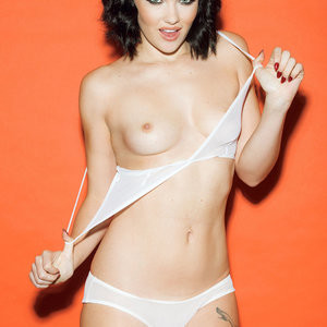 Topless Photoset of Mellisa Clarke – Celeb Nudes