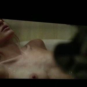 Topless pics of Angelina Jolie – Celeb Nudes