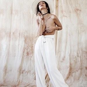 Topless pics of Emily Ratajkowski – Celeb Nudes
