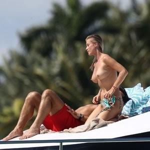 Topless pics of Joanna Krupa – Celeb Nudes