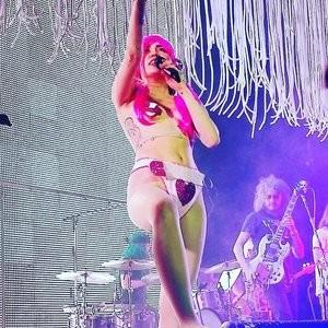 Miley Cyrus Real Celebrity Nude sexy 003