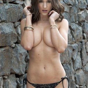 Topless pics of Rosie Jones – Celeb Nudes