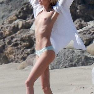 Topless pics of Stella Maxwell – Celeb Nudes