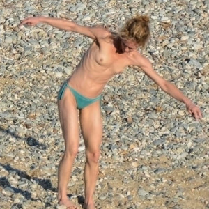 Vanessa Paradis's topless photo – Celeb Nudes