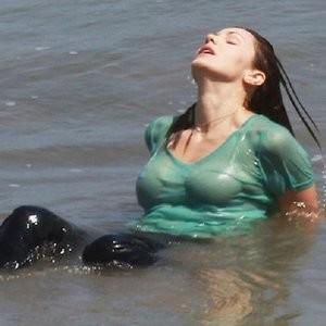 Wet pics of Katharine McPhee – Celeb Nudes