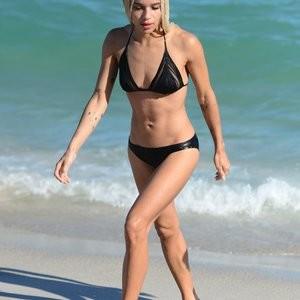Zoe Kravitz Sexy Photos – Celeb Nudes